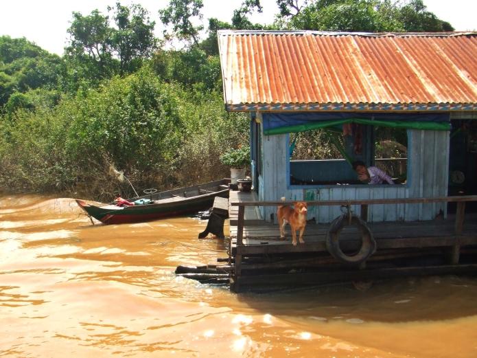 loveboat / phnom penh .cambodia 2546