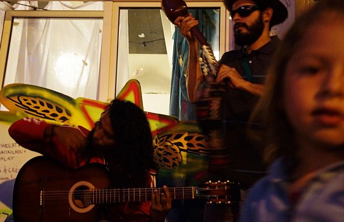 seestreet streetmusicians . zurich