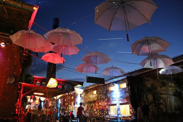umbrella sky .iii